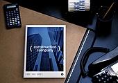 그래픽이미지, 편집디자인, 브로슈어 (템플릿), 광고, 오브젝트 (묘사), 탑앵글 (카메라앵글), 비즈니스, 책상, 파랑 (색상), 사람손 (주요신체부분), 사무실, 스테이셔너리