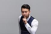 40-49세 (중년), 성인 (인간의나이), 얼굴표정 (커뮤니케이션컨셉), 감정, 쉿, 침묵