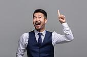 40-49세 (중년), 성인 (인간의나이), 얼굴표정 (커뮤니케이션컨셉), 감정, 손짓 (제스처), 미소, 즐거움