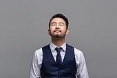 40-49세 (중년), 성인 (인간의나이), 얼굴표정 (커뮤니케이션컨셉), 감정, 눈감음 (정지활동), 명상