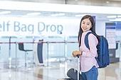 공항, 공항라운지 (공항), 공항체크인카운터 (공항), 여행, 해외여행, 휴가, 비행기, 승객, 승객 (여행하기), 공항터미널 (공항), 공항 (콩코스), 출입국 (사회현상), 한국인, 여성 (성별), 셀프체크인 (공항)