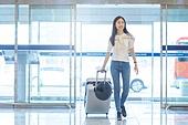 공항, 공항라운지 (공항), 공항체크인카운터 (공항), 여행, 해외여행, 비행기, 승객, 승객 (여행하기), 공항터미널 (공항), 공항 (콩코스), 출입국 (사회현상), 한국인, 여성 (성별), 바퀴달린여행가방 (짐), 여행가방 (짐), Luggage (Bag)