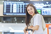 공항, 공항라운지 (공항), 공항체크인카운터 (공항), 여행, 해외여행, 비행기, 승객, 승객 (여행하기), 공항터미널 (공항), 공항 (콩코스), 출입국 (사회현상), 한국인, 여성 (성별)