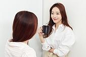 라이프스타일 (주제), 휴식 (정지활동), 한국인, 커피 (뜨거운음료)