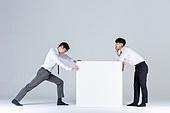 상자 (용기), 한국인 (동아시아인), 비즈니스맨 (사업가), 취업준비생 (역할), 고역 (컨셉), 신입사원, 역경, 역경 (컨셉), 프레너미, 동료 (역할), 경쟁 (컨셉), 라이벌 (컨셉)