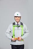 한국인, 누끼 (누끼), 건설현장 (인조공간), 건설업 (산업), 안전, 안전장비 (장비), 건설근로자 (노동자), 산업근로자, 산업근로자 (노동자), 안전모, 작업도구 (장비), 안전교육, 안전장비