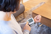 노인 (성인), 질병 (건강이상), 노인건강 (실버라이프), 혈압계 (의료도구)