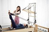 여성, 필라테스 (이완운동), 필라테스머신 (운동기구), 건강관리