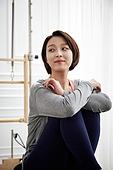 여성, 필라테스 (이완운동), 필라테스머신 (운동기구), 건강관리 (주제), 스포츠트레이닝 (연습), 운동기구