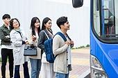교통수단, 대중교통 (운수), 기다리는줄 (기다림), 순서 (컨셉), 탑승 (향해가는동작)