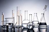실험실장비 (장비), 과학실험 (사건), 의학 (과학), 연구 (주제), 유리, 시험관대 (랙), 실험유리기구 (실험실장비), 교육 (주제), 플라스크