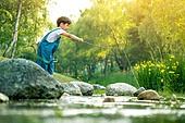 어린이 (인간의나이), 소년, 계곡, 물장난, 여름방학, 여름, 장난치기, 낚시 (아웃도어)