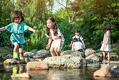 한국인, 어린이 (인간의나이), 소녀, 물장난 (장난치기), 계곡, 여름방학, 방학, 여름, 여행, 물장난, 행복, 즐거움 (컨셉)