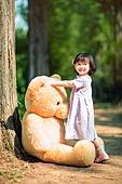 한국인, 어린이 (인간의나이), 유치원생, 테디베어, 인형, 테디베어 (장난감), 행복, 행복 (컨셉), 재미, 기쁨 (컨셉)
