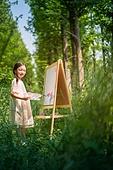 한국인, 어린이 (인간의나이), 미술 (미술과공예), 미술수업, 색칠놀이 (페인팅하기), 행복, 행복 (컨셉)