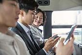 버스, 교통, 버스 (육상교통수단), 예절 (컨셉), 스마트폰, 엿보기 (응시), 사생활 (한단어), 즐거움