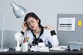 여성, 한국인, 스트레스, 피로 (물체묘사), 고역 (컨셉), 번아웃증후군 (격언)