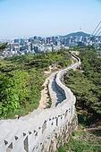 산책길, 산책길 (보행로), 성벽 (담장배경), 인왕산