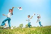 한국인, 어린이 (인간의나이), 초등학생, 유치원생, 태극기, 애국심, 광복절 (한국기념일), 호국보훈의달 (한국기념일), 개천절