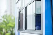 버스, 창문 (인조물건), 유리, 흐린날씨 (하늘)