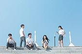 십대 (인간의나이), 교복, 미소, 밝은표정, 고등학생, 학교생활, 계단, 스마트폰