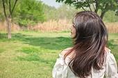 여성, 여름, 자연 (주제), 뷰티, 헤어스타일, 미소, 뒷모습