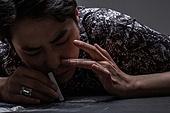 남성, 마약, 마약중독 (약물남용), 들이마시기 (호흡)