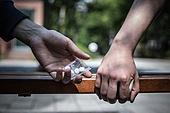 마약, 마약거래자, 거래, 몰래하기 (컨셉), 건네주기 (주기)