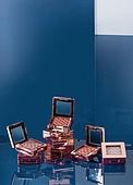 화장품 (몸단장제품), 색상 (묘사), 강렬한색채, 컬러, 아크릴, 스킨케어, 몸단장제품, 아이섀도 (눈화장), 색조화장