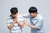 한국인, 기도폐쇄, 호흡기관기도 (호흡기관), 호흡, 호흡기관, 하임리히법 (치료), 하임리히법, 응급처치, 응급환자