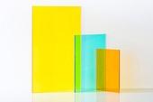 오브젝트 (묘사), 컬러, 색상, 강렬한색채, 아크릴, 투영, 밝은청색 (파랑), 노랑색 (색상), 노랑배경, 녹색 (색상), 주황, 백그라운드
