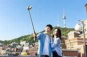 라이프스타일, 옥탑방 (집), 셀프카메라 (포즈취하기), 로맨스 (컨셉), 데이트 (로맨틱), 셀카봉 (인조물건), 남산서울타워 (서울)