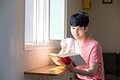 라이프스타일, 책, 여가 (주제), 스마트기기 (정보장비), 디지털태블릿 (개인용컴퓨터)