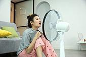 여성, 거실, 선풍기, 바람, 폭염 (자연현상)