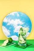 오브젝트 (묘사), 아크릴, 음료, 칵테일, 차가운음료 (무알콜음료), 여름, 얼음, 모히토 (칵테일), 라임 (감귤류), 거울, 하늘, 구름