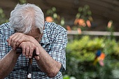 노인 (성인), 노인남자 (성인남자), 외로움 (컨셉), 독거노인, 절망 (슬픔)