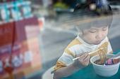 어린이 (인간의나이), 편의점, 가난 (사회이슈), 결식아동, 소외계층, 컵라면 (라면)