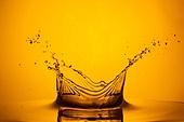 물 (자연현상), 수면 (물), 파장, 파문 (물체묘사), 역광, 백그라운드, 패턴, 물결, 방울 (액체), 금색, 노랑색 (색상), 주황