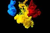 오브젝트 (묘사), 스튜디오촬영, 물 (자연현상), 파장, 파문 (물체묘사), 백그라운드, 패턴, 물결, 잉크, 페인트 (예술도구), 모션, 활력, 수채물감, 추상, 미술 (미술과공예), 검정배경, 번짐, 재질 (물체묘사), 연기 (물리적구조), 빨강, 파랑, 노랑색 (색상)