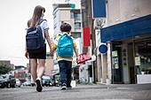 거리 (도시도로), 소외계층, 남매, 손잡기 (홀딩), 걷기 (물리적활동)