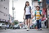 거리 (도시도로), 소외계층, 남매, 걷기 (물리적활동), 미소, 희망