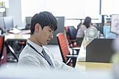 한국인, 사무실 (업무현장), 도시생활, 걱정 (어두운표정), 피로 (물체묘사), 스트레스 (컨셉), 번아웃증후군 (격언), 심각 (감정), 우울, 스트레스