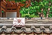 오브젝트 (묘사), 전통문화 (주제), 한국 (동아시아), 한국문화, 전통문화, 화장품 (몸단장제품), 한의학 (의학), 스킨케어, 로션, 명절 (한국문화), 선물상자, 추석 (명절), 기와