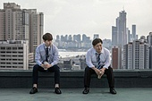 한국인, 라이프스타일, 비즈니스맨, 직장내괴롭힘 (괴롭힘), 맥주, 갈등, 세대차이 (나이차이), 커뮤니케이션문제 (커뮤니케이션)