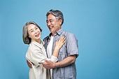 60-69세 (노인), 커플, 미소, 행복, 애정 (밝은표정), 포옹