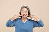 노인 (성인), 치아건강, 미소