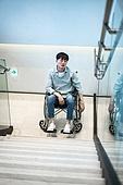 휠체어, 장애, 신체장애 (장애), 계단, 불편함 (어두운표정), 고역 (컨셉), 소외계층, 절망