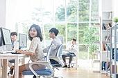 스타트업, 사무실, 여성, 미소, 밝은표정, 책상, 의자 (좌석), 옆모습