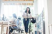 스타트업, 사무실, 여성, 출퇴근 (여행하기), 미소, 만족