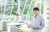 스타트업, 사무실, 벤처사업가 (역할), 비즈니스맨 (사업가), 밝은표정, 미소